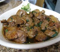 Recipes for sauteed chicken livers - Good chicken recipes Fried Chicken Livers, Chicken Gizzards, Pan Fried Chicken, How To Cook Chicken, Cooking Chicken Livers, Lebanese Recipes, Asian Recipes, Chicken Liver Recipes, Steak Recipes