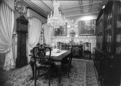 Interiores - sala de jantar Fotografia sem data. Produzida durante a actividade do Estúdio Mário Novais: 1933-1983.  [CFT003.022776.ic]