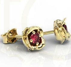 Kolczyki w kształcie róży z żółtego złota z rubinami  / Rose-shaped earrings made from yellow gold with a rubins / 878 PLN #gold #jewelry #diamonds #earrings #bizuteria #zloto #diamenty