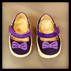 UGG Australia baby purple shoes