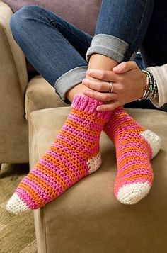 This is a socks pattern with the normal size and it is looking amazing because of the style that is defining the toes and heels. One can crochet the toes and heels part with any other color as well and to know how this pattern is crocheted, see the link.