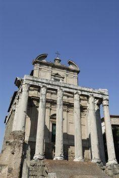 Chiesa di San Lorenzo in Miranda e il Tempio di Antonino e Faustina nel Foro Romano, Rome