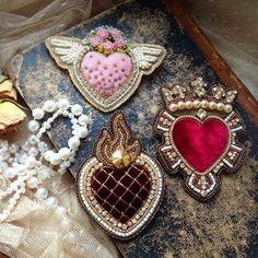 Автор @mariapyll 〰〰〰〰〰〰〰〰〰〰〰〰〰〰 По всем вопросам обращайтесь к авторам изделий!!! #ручнаяработа #брошьизбисера #брошьручнойработы #вышивкабисером #мастер #бисер #handmade_prostor #handmadejewelry #brooch #beads #crystal #embroidery #swarovskicrystals #swarovski #купитьброшь #украшенияручнойработы #handmade #handemroidery #брошь #кольеручнойработы #кольеизбисера #браслеты #браслетручнойработы #сутажныеукрашения #сутаж #шибори #полимернаяглина #украшенияизполимернойглины