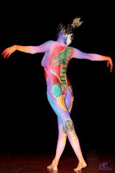 Bodypaint met Vogel Rok, Python en Joris en de Draak door Roxanne Horn