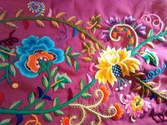 Precioso bordado en lana de un refajo murciano, de Antonio Ferre.