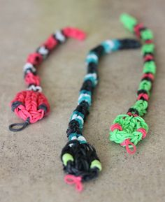 5 {FUN} Rainbow Loom Charms