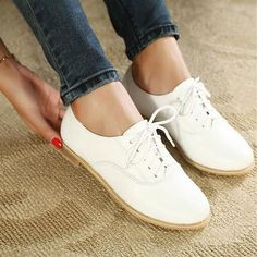 Casual Women's Flat Shoes With White and Lace-Up Design