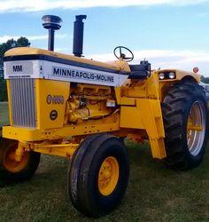 Minneapolis-Moline G1000 Vista Vintage Tractors, Antique Tractors, Old Tractors, Minneapolis Moline, Down On The Farm, Farming, Techno, Beats, Tractor