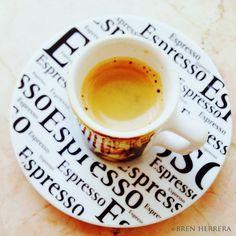 A frothy shot of Cuban #espresso!