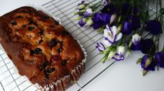 Raspberry, blueberry and lemon yoghurt loaf cake – so delicate!