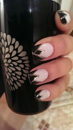 Wedding Nails Ideas Vintage Art Deco 63 Ideas Best Picture For vintage wedding nails red For Your Taste You are looking for something, and it is going to tell you exact French Nails, French Makeup, Red Nails, Hair And Nails, White Nails, 1920s Nails, Art Deco Nails, Nagel Hacks, Fru Fru