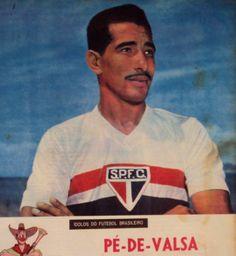 Crédito: revista O Cruzeiro: encarte ídolos do futebol brasileiro.