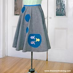 """Tutorial: Goldfish Bowl Poodle Skirt: Love the look of retro style? Be the belle of the sock hop with this fun and flirty DIY goldfish bowl """"poodle"""" skirt! Plus Size Patterns, Sewing Patterns, Goldfish Bowl, Sock Hop, Sewing Clothes, Refashioning Clothes, How To Make Clothes, Rock, Couture"""