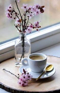 Coffee Mugs Gift Ideas Filled - - - Coffee And Books, I Love Coffee, My Coffee, Coffee Drinks, Coffee Cups, Coffee Photos, Coffee Pictures, Coffee Gif, Coffee Break
