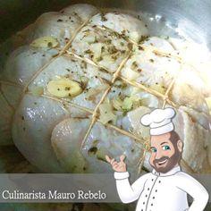 Culinarista Mauro Rebelo        Esse frango tem gostinho de infância. Ele era feito por minha avó. Serve qualquer frango, mas este da foto ...
