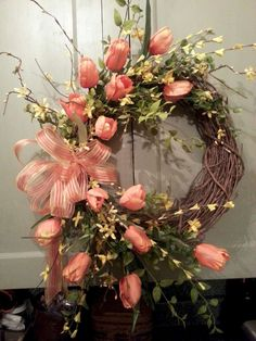 63 Fresh and Beautiful Spring Wreath Decor Ideas You are in the right place about spring wreaths wir Diy Spring Wreath, Spring Door Wreaths, Easter Wreaths, Holiday Wreaths, Wreaths For Front Door, Tulip Wreath, Floral Wreaths, Mesh Wreaths, Grapevine Wreath
