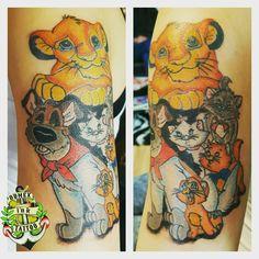 Domex ink Tattoo Oberarm Disney König der Löwen Aristocats Oliver
