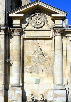 Paris 75005 France Abbaye du Val de Grâce 1 place Alphonse Laveran (cadran vertical déclinant, cour intérieure)