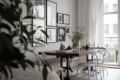 Traditional meets new Nordic in a beautiful dining room in a Swedish home  / Bjurfors.