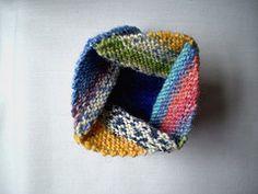 Ravelry: Pinwheel Purse pattern by Frankie Brown