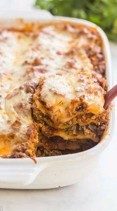 Quick & Easy Lasagna This Easy Lasagna recipe is made with oven ready lasagna noodles, jarred tomato sauce and a couple special ingredients that bring LOADS of flavor! Includes step by step recipe video so you can make this simple lasagna at home. Lasagna Recipe Step By Step, Lasagna Recipe Videos, Lasagna Recipes, Meatloaf Recipes, Easy Lasagna Recipe With Ricotta, Best Sausage Lasagna Recipe, Lasagna Recipe With Italian Sausage And Ground Beef, Soul Food Lasagna Recipe, Lasagna With Sausage