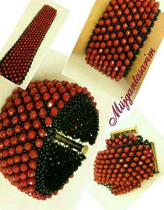 Kristal örme bileklik Türkiye Beaded Crafts, Jewelry Crafts, Beaded Bracelet Patterns, Beaded Jewelry, Seed Bead Bracelets, Seed Beads, Turquoise, Diy And Crafts, Jewelery