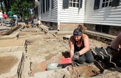 Searching for a lost front porch at Colonial Williamsburg's landmark Raleigh Tavern. http://bit.ly/29sTCfr -- Mark St. John Erickson