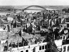 Arnhem, Operation Market Garden, Allied ground forces advanced slowly, failed to arrive as scheduled bridges and key northernmost bridge at Arnhem, failed to keep .