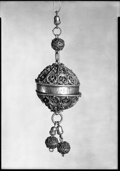 Pomander  Vessel  German  ,  16th century  Gilt silver  13 x 4.4 cm (5 1/8 x 1 3/4 in.)  Harvard Art Museums/Busch-Reisinger Museum, Gift of Harry G. Friedman  , BR65.14