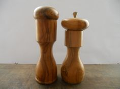 Vintage wooden salt and pepper shaker set by TasteVintage on Etsy £11.14 (£6.19 p&p)