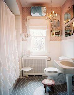 I REALLY like this bathroom