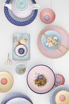 Opdrachtgever, Millermedia voor Tokyo Design Studio. Styling, Iris van der Meer. Fotografie, Peggy Janssen. Servies, tableware, ceramics, food, colorful, pastels, pink, blue