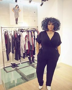 In love with my jumpsuit by @elviclothing | Press Day @mim_fr #mimparty | #lalaamisaki #stylehasnosize |  lalaamisaki.com [ Links in bio   ]