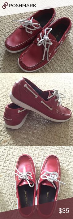 Casual leather boat shoes Used it a few times only. Still has a lot of life on it. Really comfy boat shoes. Rockport Shoes Flats & Loafers