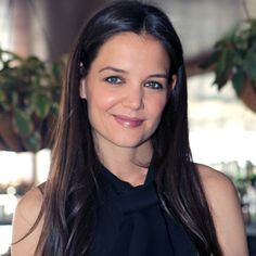 Katie Holmes Reveals Her Beauty & Quick Makeup Routine