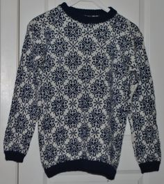 Strikket genser - Stjerneruter (Mine håndarbeider)