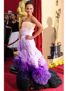 Zoe Saldana Oscars 2010...I LOVE the top of this sparkly dress.         jaglady