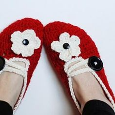 How To Make Crochet House Slippers  {tutorial} Free Tutorial.