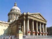 [파리 팡테옹]  해제:건물의 외관이 마치 그리스 로마의 신전을 연상시킨다.. 여기에는 저명한 예술가들[볼테르, 루소등]의 시신 안장되어 있다. 또한 푸코의 추 실험 등으로 유명한 곳이다.   감상: 거대한 기둥과 아름다운 조각이 새겨진 지붕이 완벽한 조화를 이루면서 완벽함에 대한 고찰을 하도록 만든다.