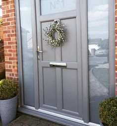 54 Ideas cottage front door porch interior design for 2019 Front Door Steps, Front Door Porch, Porch Doors, Front Door Entrance, House Front Door, Glass Front Door, House With Porch, Room Doors, Front Door Decor