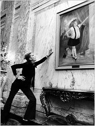 Eloise author Kay Thompson visits the portrait in 1969.