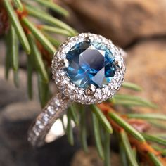 Tacori Diamond Engagement Ring w/ Blue Green Montana Sapphire Or Rose, Rose Gold, Tacori Rings, Costume Jewelry Rings, Diamond Cross Necklaces, Slave Bracelet, Ring Set, Vintage Rings, Crystal Rhinestone