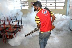 Inamus llevó jornada de fumigación en la Unidad Educativa Emelina Guerra