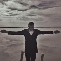 Theo Hutchcraft / Somebody to Die For / Hurts