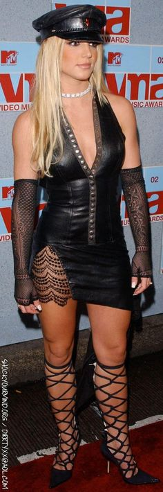 Britney Spears @ the MTV Video Music Awards in 2002