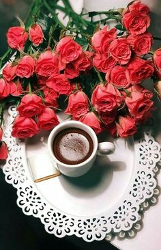 Stay positive and good things will happen. Coffee Art, My Coffee, Coffee Drinks, Coffee Time, Coffee Cups, Good Morning Coffee, Coffee Break, Coffee Flower, Sweet Coffee