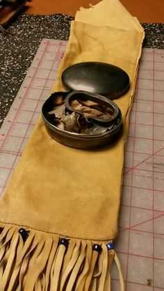 Antique tin for fire kit Bushcraft Equipment, Longhunter, Mountain Man, Tinder, Mushrooms, Carving, Fire, Steel, Antiques