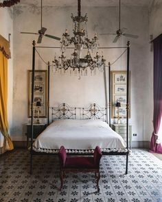 6 Mexican Homes That Will Inspire Your Vacation House Decor . Serene Bedroom, Bedroom Inspo, Bedroom Decor, Dream Bedroom, Master Bedroom, How To Make Bed, Decoration, Furniture Design, Sweet Home