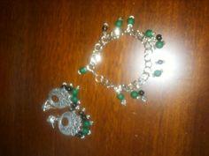 Bracciale e orecchini verdi