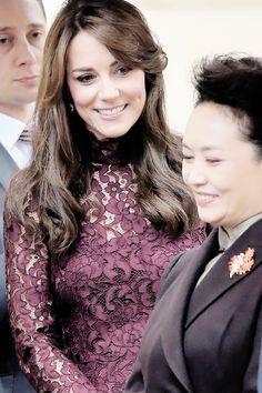 "vanessa023: "" "" Catherine, Duchess of Cambridge greets Peng Liyuan during an…"